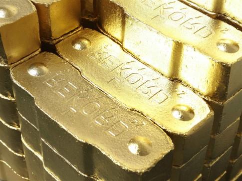 SetWidth485-Alicja-Kwade-Kohle-2006-Bronze-Reingold-24-karat-Edition-3-77-Teile-je-5-x-68-x-173-cm-SR-Rusche-Sammlung-OeldeBerlin.jpg